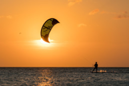 Workations work Out of office - Active kitesurf